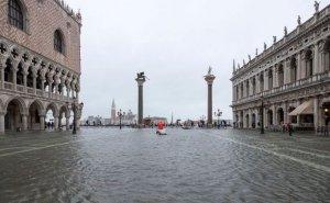 Venesiya suya  QƏRQ OLDU