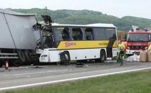 Slovakiyada dəhşətli qəza - 13 Ölü, 20 yaralı
