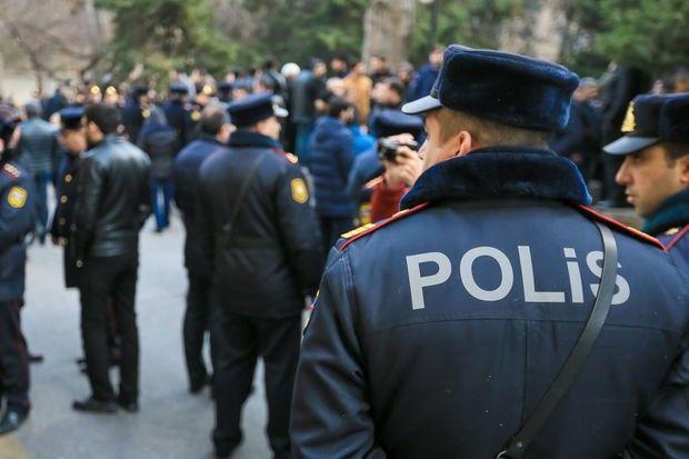 Bakıda polislər qadının həyatını xilas etdilər  - VİDEO