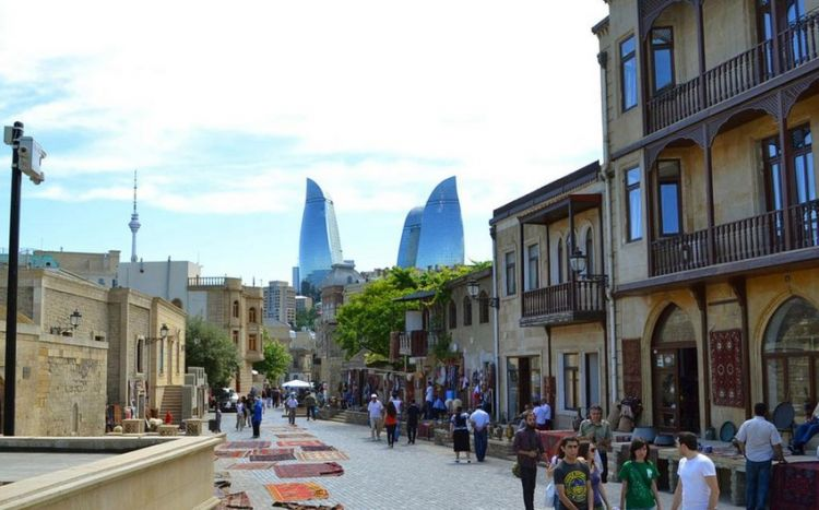 """<p><strong>Azərbaycana turist gəlmir: <span style=""""color:#ff0000"""">Gələnlər də turist deyil</span></strong></p>"""